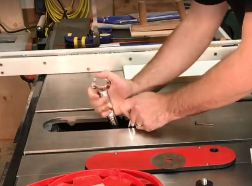 Table saw blade removal
