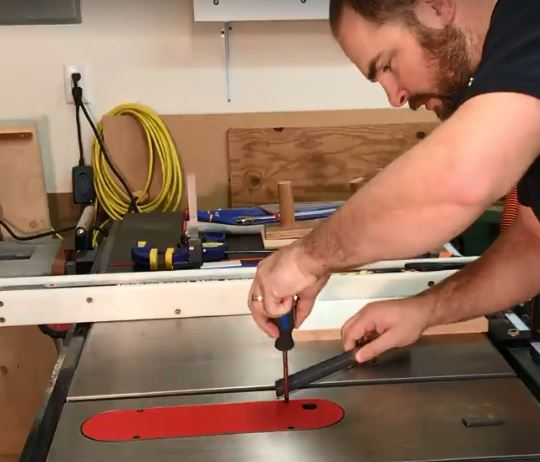 Shimming the zero-clearance throat plate
